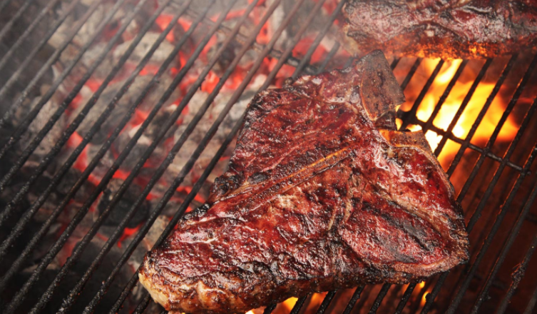 5 Mistakes to Avoid When Cooking on a Charcoal Grill