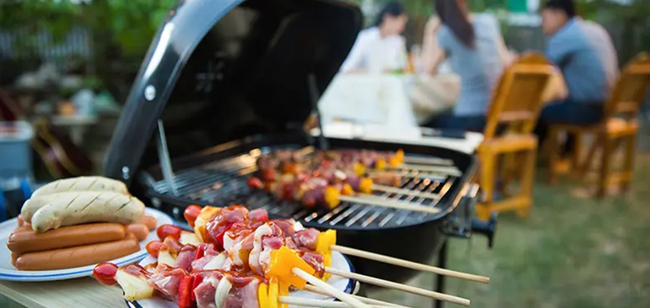 How-to-Get-Charcoal-Flavor-on-an-Electric-Grill
